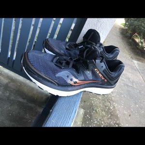 Saucony Guide ISO Women's Black Sz 7 US S10415-30